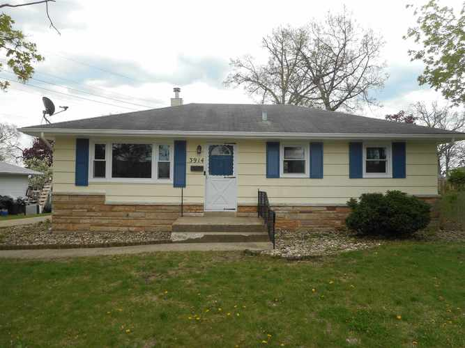 3914  Roxebury Plaza South Bend, IN 46628   MLS 201917534