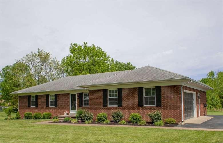 4934 Heckel Road Evansville, IN 47725 | MLS 201917779 | photo 1