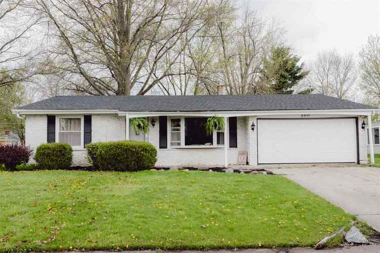 5011  Maple Terrace Parkway Fort Wayne, IN 46835 | MLS 201917950