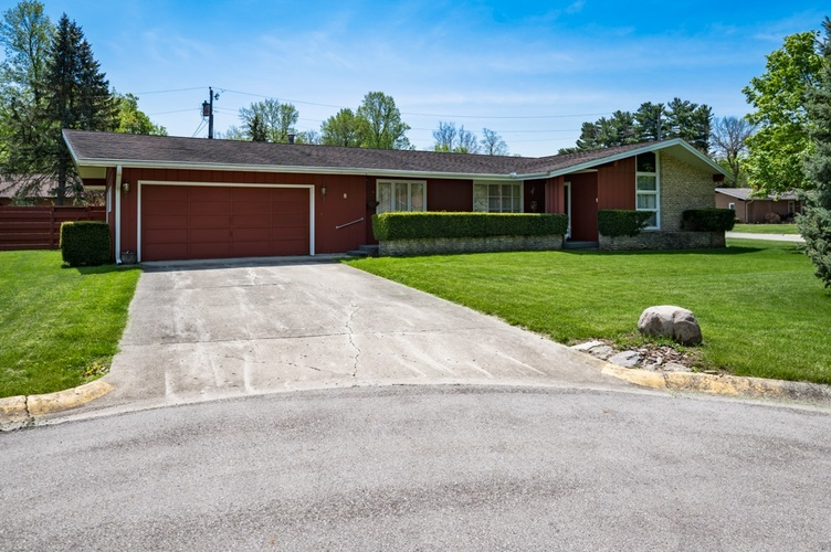 8 Crestwood Drive Winchester, IN 47394   MLS 201918266   photo 2