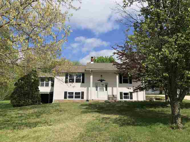 1442  DIXIE HWY  Mitchell, IN 47446 | MLS 201918318