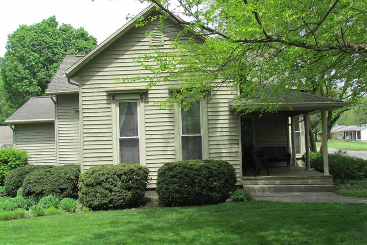 1242 W Country Club Road W Crawfordsville, IN 47933-2284 | MLS 201919063 | photo 1