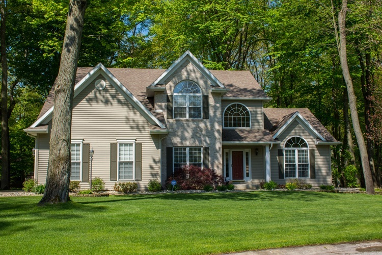 50819  Hidden Forest Drive South Bend, IN 46628-8151 | MLS 201919325