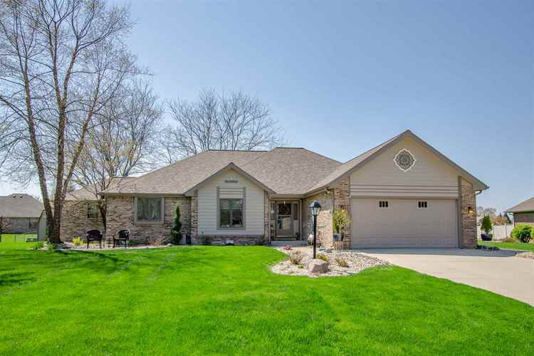 1716 MOLLEE Court Kokomo, IN 46902 | MLS 201919614 | photo 1