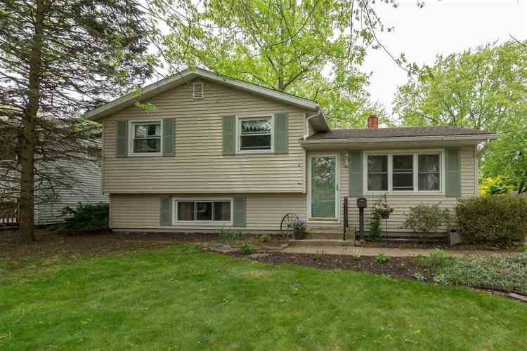 1715  Sterling Drive South Bend, IN 46635 | MLS 201919618