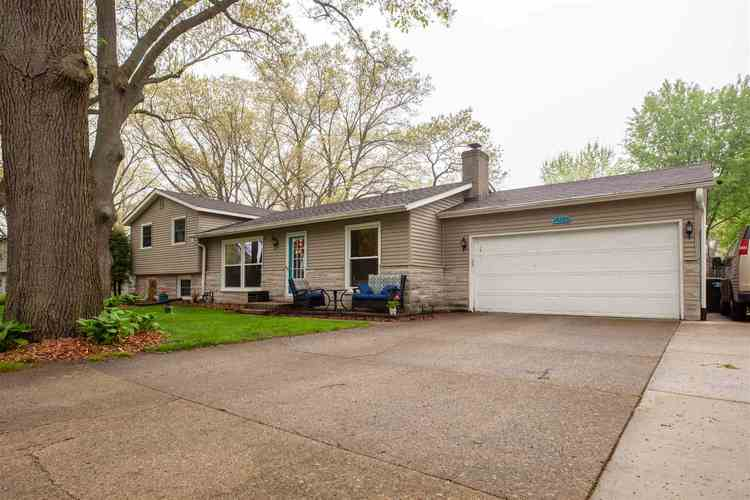 18255 Brightlingsea Place South Bend, IN 46637   MLS 201919763   photo 1