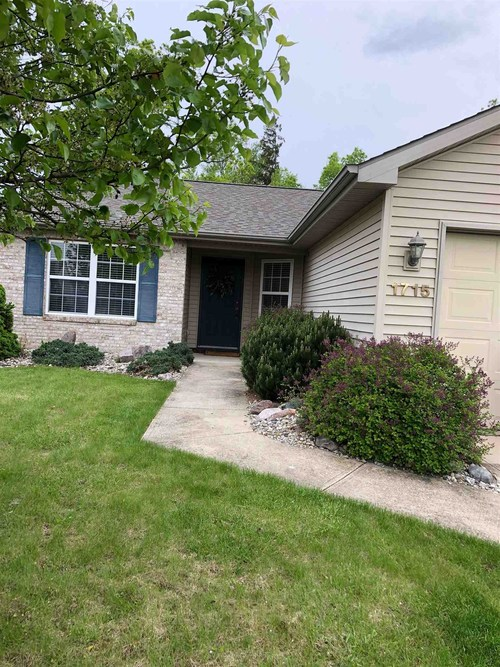 1715  Black Bear Drive Fort Wayne, IN 46808-3511 | MLS 201919843