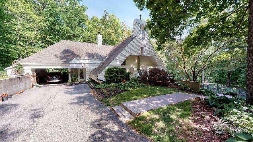 860 N Lakeview Dr Drive Celestine, IN 47521 | MLS 201919871