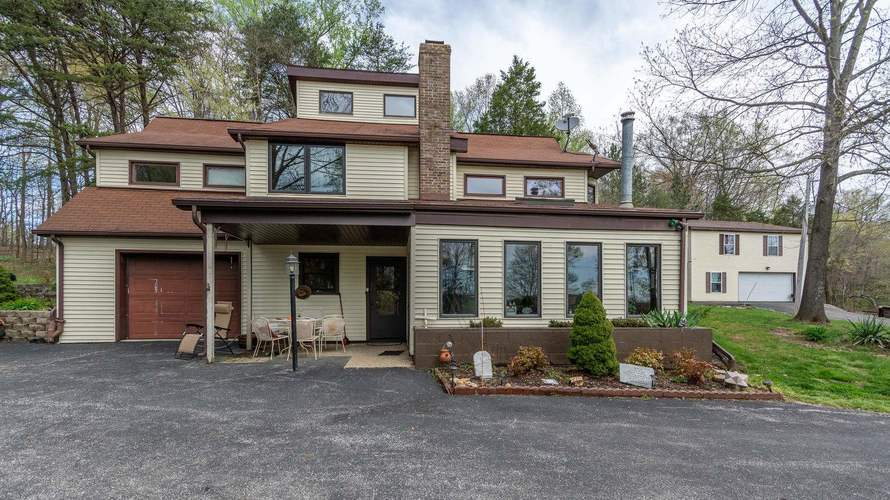12223 E Carmichael Road Bloomfield, IN 47424 | MLS 201919911