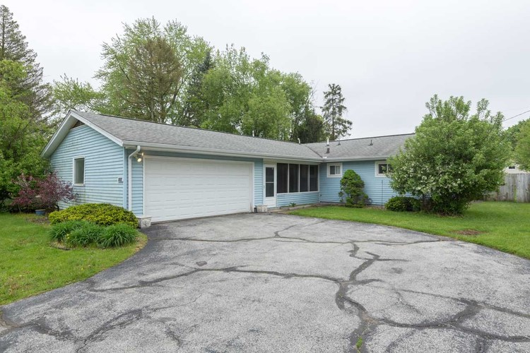 17330  Willowbrook Drive South Bend, IN 46635 | MLS 201920236