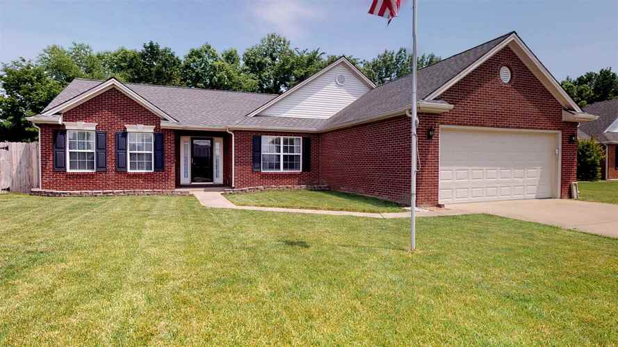 4528  Lincoln Pointe Drive Newburgh, IN 47630 | MLS 201920411