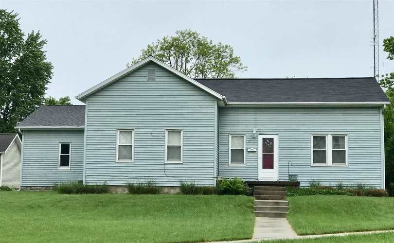 521 N Lake Street N Warsaw, IN 46580 | MLS 201920453 | photo 1