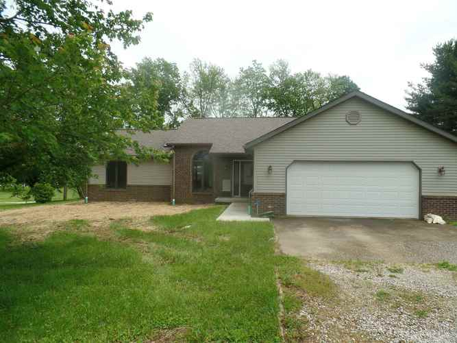 657  S Country Estates Lane Bloomfield, IN 47424 | MLS 201920729