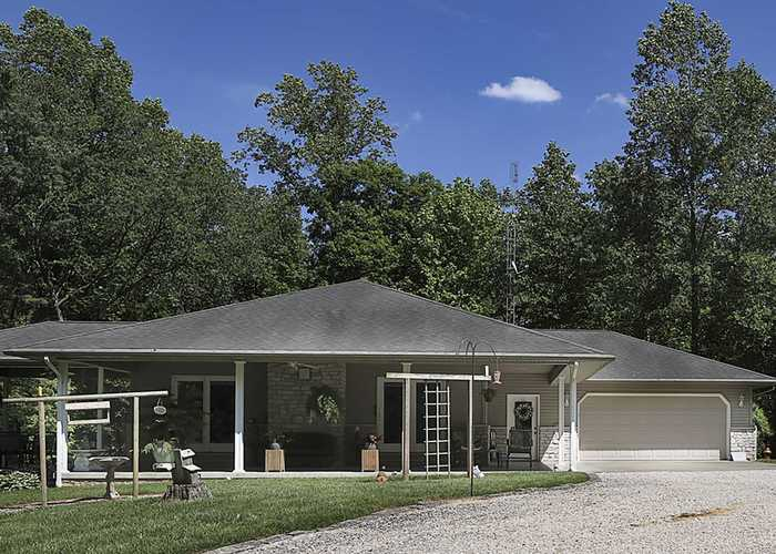 4090 E State Rd. 364 Highway Winslow, IN 47598 | MLS 201920927