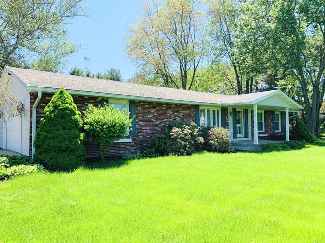 1523  Lilac Road Plymouth, IN 46563-9542   MLS 201921032