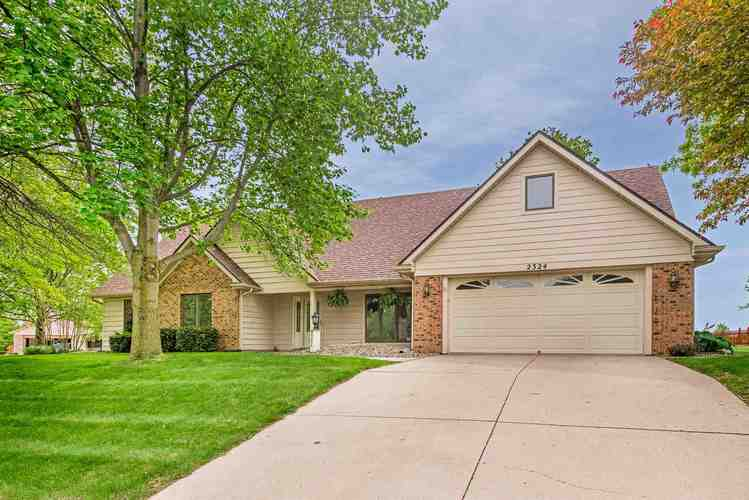 2324  Candlewick Drive Fort Wayne, IN 46804 | MLS 201921321
