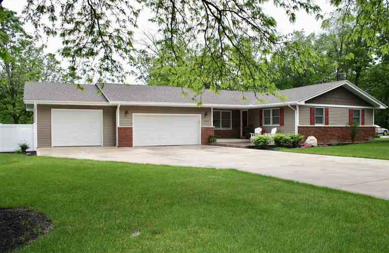 605  Hickory Lane Ossian, IN 46777 | MLS 201921596
