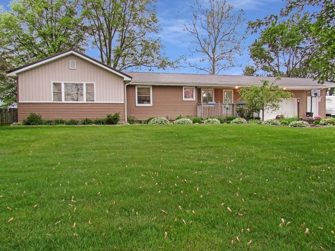70631 State Road 19 Road Nappanee, IN 46550-8920   MLS 201921627   photo 1