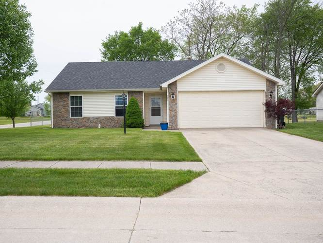 780  Thornapple Court Columbia City, IN 46725-7402 | MLS 201921734