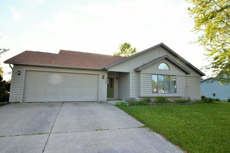 205  Morning Wind Place Kendallville, IN 46755-2938 | MLS 201921867