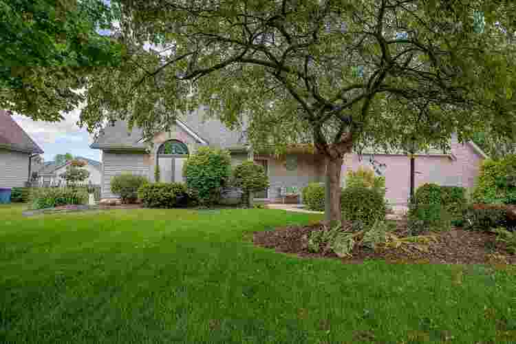 6609  Winsted Court Fort Wayne, IN 46815-8361   MLS 201922099