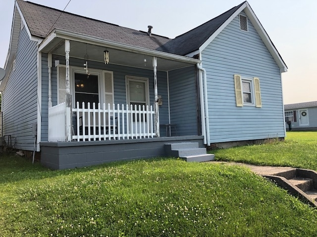 1206 E Walnut Street Washington, IN 47501 | MLS 201922229
