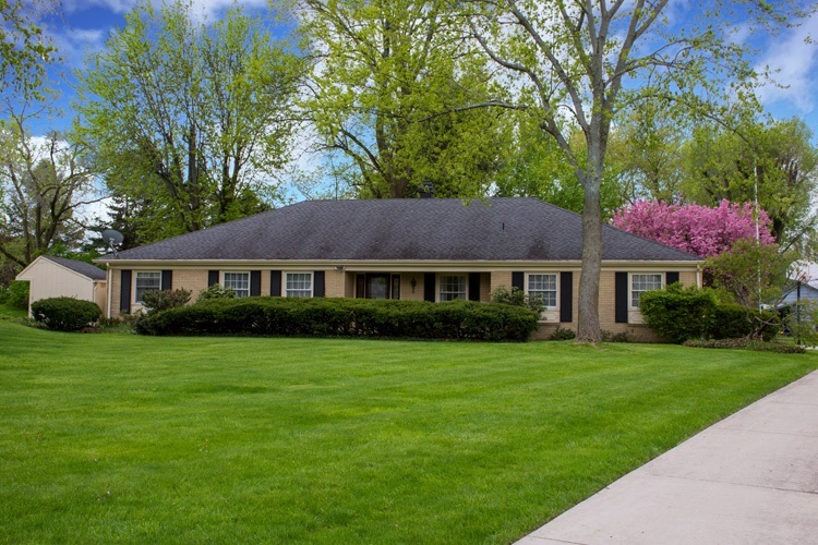 6241  Chaucer Court South Bend, IN 46614-6101 | MLS 201922379