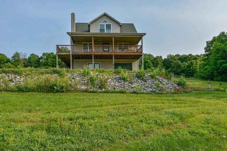 2751 S Happy Hollow Road Bloomfield, IN 47424 | MLS 201922846