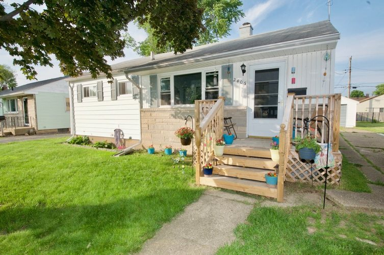2405 Union Avenue South Bend, IN 46615 | MLS 201922866 | photo 1