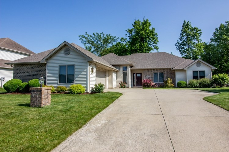 4805 Dupont Oaks Place Fort Wayne, IN 46845-8975 | MLS 201922979 | photo 1