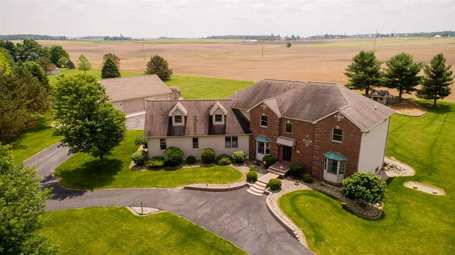 7411 W River Rd  South Whitley, IN 46787 | MLS 201923626