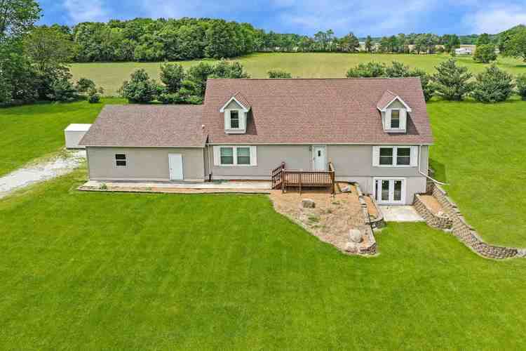 835 N 650 E Road Pierceton, IN 46562 | MLS 201923792