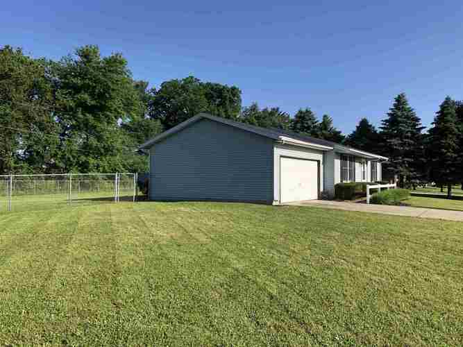 53751 Hyde Park Drive Bristol, IN 46507 | MLS 201923989 | photo 4