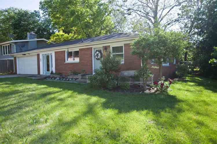 2405 S Ironwood Drive S South Bend, IN 46614 | MLS 201924157 | photo 1