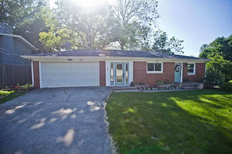 2405 S Ironwood Drive S South Bend, IN 46614 | MLS 201924157 | photo 2
