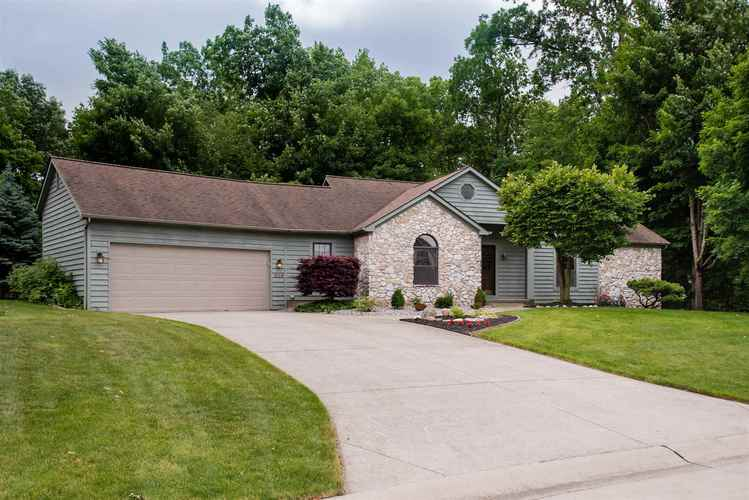 1624  Holliston Trail Fort Wayne, IN 46825 | MLS 201924165