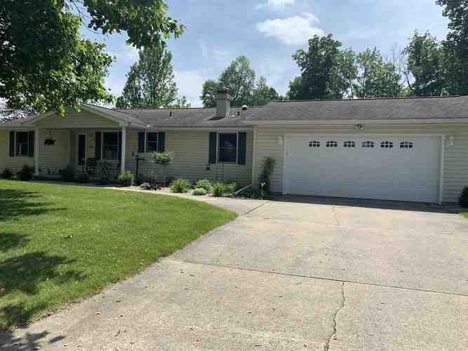 1604  Hillcrest Drive North Manchester, IN 46962-2216   MLS 201924429
