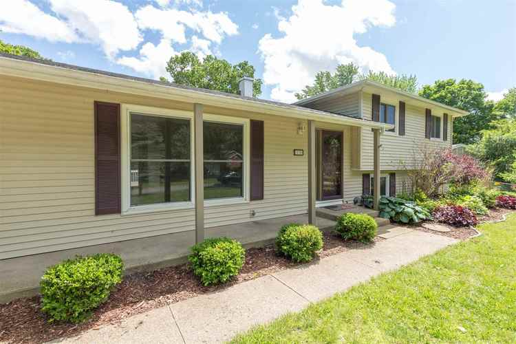 18300 Amberly Lane South Bend, IN 46637-4404 | MLS 201924440 | photo 2