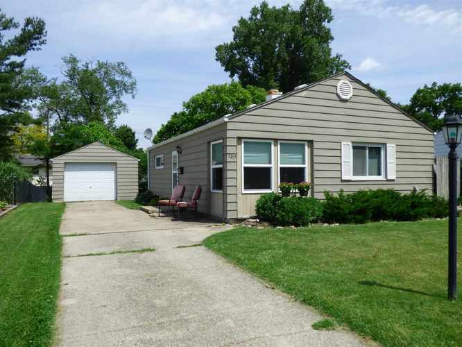 1211 Byron Drive South Bend, IN 46614-2730 | MLS 201924459 | photo 1