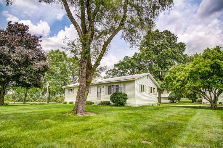 7270 W Orland Road W Angola, IN 46703-9715 | MLS 201924542 | photo 2