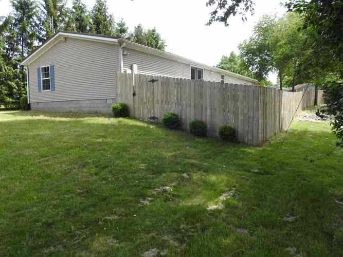 725 S Lura Mae Street S North Webster, IN 46555 | MLS 201924578 | photo 5