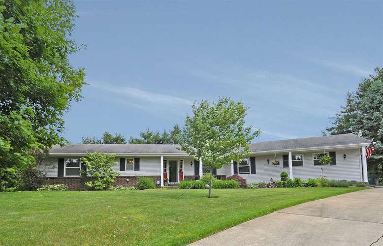 21606  Carriage Drive South Bend, IN 46614 | MLS 201924886