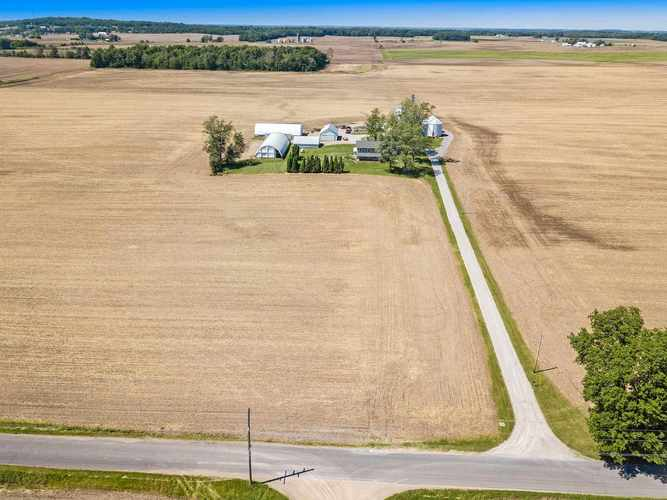 17495 S County Line Road S Syracuse, IN 46567 | MLS 201924937 | photo 3