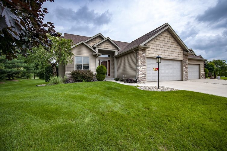 3902 Timberstone Drive Elkhart, IN 46514 | MLS 201924963 | photo 1
