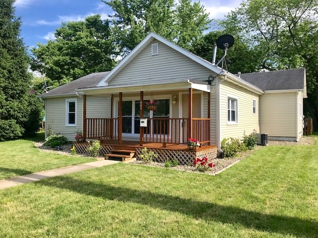 523 W Pike Street Warsaw, IN 46580-2617 | MLS 201924983