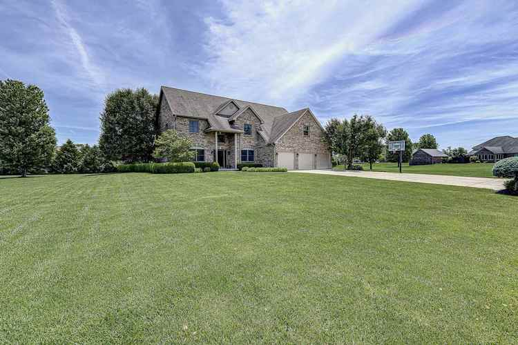 1635 S Mayberry Drive S Frankfort, IN 46041 | MLS 201925159 | photo 2