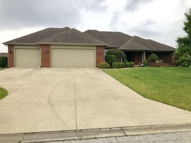 3211  Pine Ridge Drive Kokomo, IN 46902 | MLS 201925203