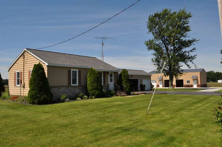 526 E State Road 8 Road Kouts, IN 46347 | MLS 201925211