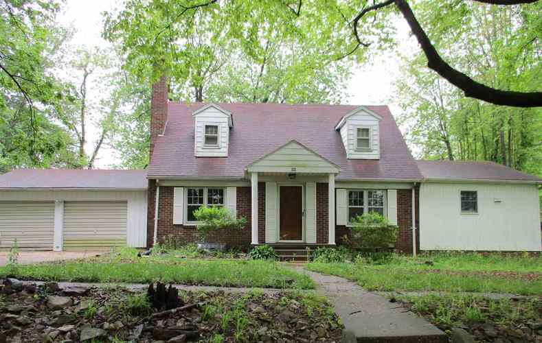 500 N Hickory Street Winslow, IN 47598 | MLS 201925379