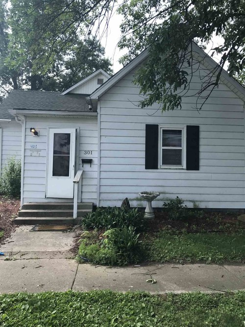 301 W Alton Street Bicknell, IN 47512 | MLS 201925683